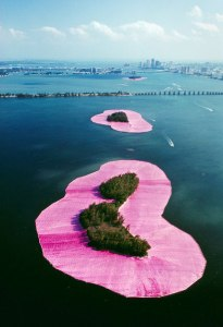 surrounded islands christo